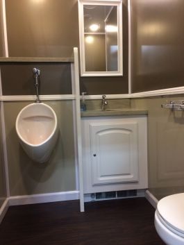 Luxury Spa Portal Toilet Restroom Trailer